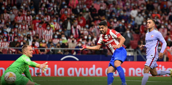 Atletico Madrid beat Barcelona 2-0