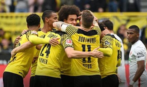 Borussia Dortmund beat Augsburg 2-1
